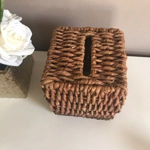 Wicker Country Chic Tissue Box Cover Holder